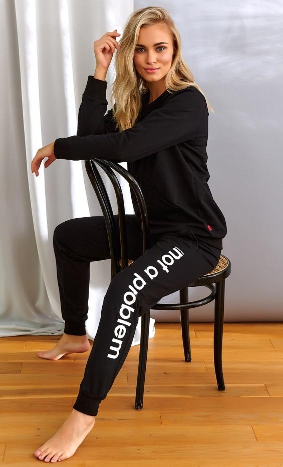 Czarne dresowe spodnie z napisem n.a.p not a problem